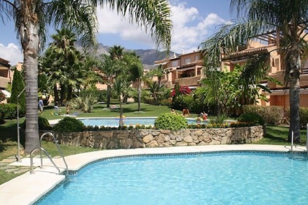 Homes For Sale in Oasis de Nagueles, Marbella Golden Mile. | SpainForSale.Properties Luxury Real Estate For Sale & Rent.