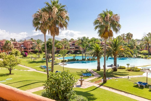 Homes For Sale in Alhambra del Golf, Estepona. | SpainForSale.Properties Luxury Real Estate For Sale & Rent.