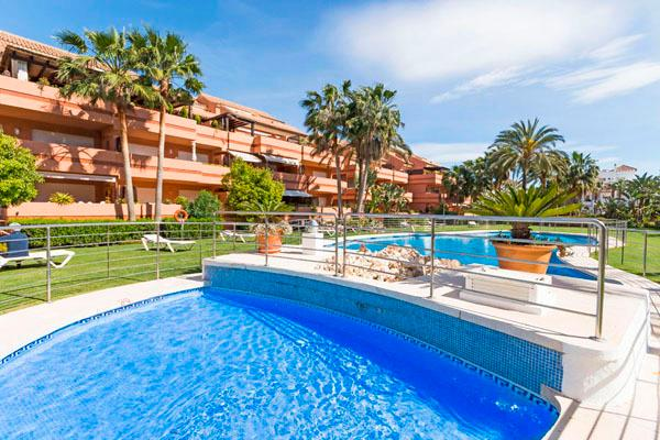 Apartments For Sale in Embrujo Playa, Puerto Banus, Marbella. | SpainForSale.Properties Luxury Real Estate.