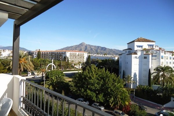 Apartments For Sale in Medina Gardens, Puerto Banus, Marbella.