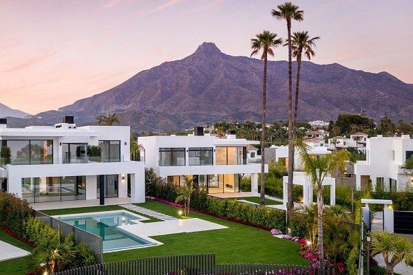 Homes sales in gated communty in Marbella, Spain.   SpainForSale.Properties Luxury Real Estate For Sale & Rent.